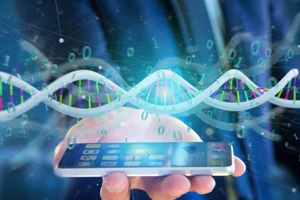 DNA-Strang wird über einem Smartphone gezeigt